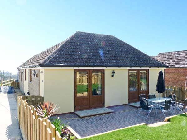 2 bedroom Cottage for rent in Binstead