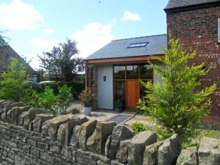 2 bedroom Cottage for rent in Bispham Green