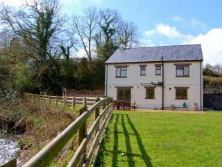 4 bedroom Cottage for rent in Llandeilo