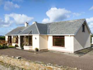 4 bedroom Cottage for rent in Derrybeg