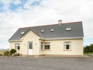 4 bedroom Cottage for rent in Carna