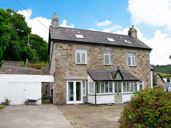 4 bedroom Cottage for rent in Llanddona