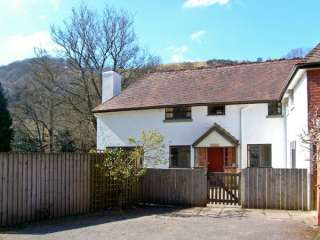 3 bedroom Cottage for rent in Llanwrthwl