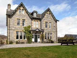 6 bedroom Cottage for rent in Kincraig