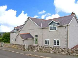 5 bedroom Cottage for rent in Moelfre