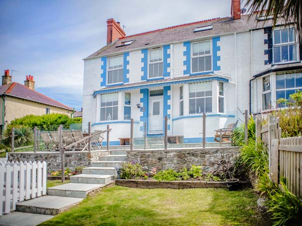 5 bedroom Cottage for rent in Cemaes Bay