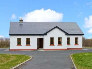 3 bedroom Cottage for rent in Louisburgh