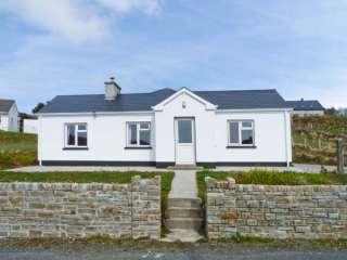 3 bedroom Cottage for rent in Kilcar