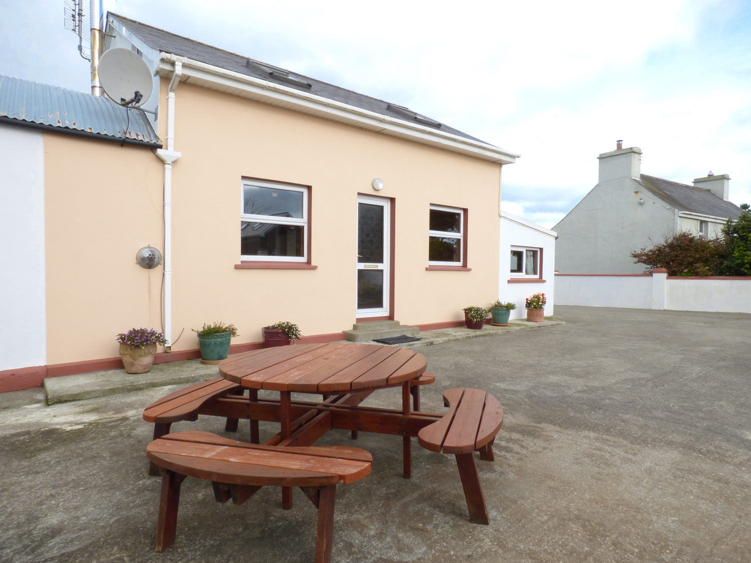 2 bedroom Cottage for rent in Skibbereen