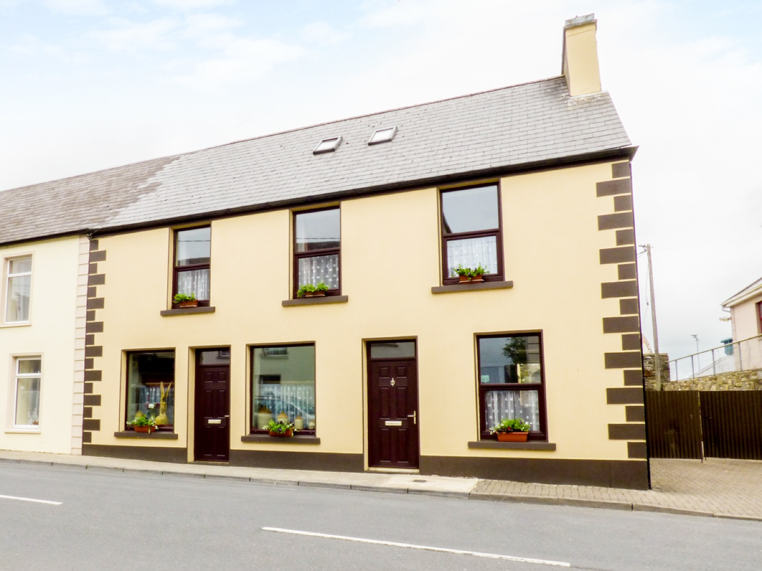 6 bedroom Cottage for rent in Kilmihil