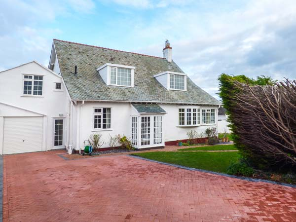 5 bedroom Cottage for rent in Penrhyn Bay