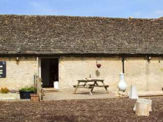3 bedroom Cottage for rent in Lechlade-on-Thames