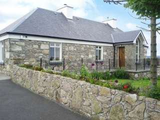 3 bedroom Cottage for rent in Lettermore