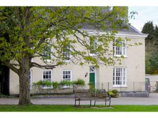 6 bedroom Cottage for rent in Wotton Under Edge