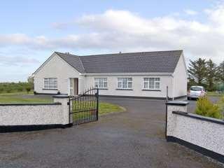 4 bedroom Cottage for rent in Dromore West