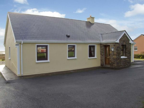 3 bedroom Cottage for rent in Ballinskelligs