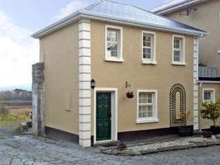 1 bedroom Cottage for rent in Corofin