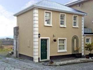 1 bedroom Cottage for rent in Corofin