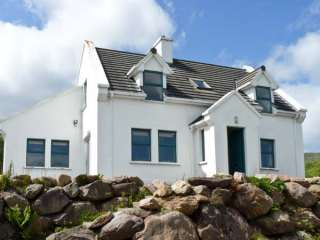 4 bedroom Cottage for rent in Cloghane
