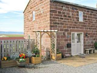 2 bedroom Cottage for rent in Neston