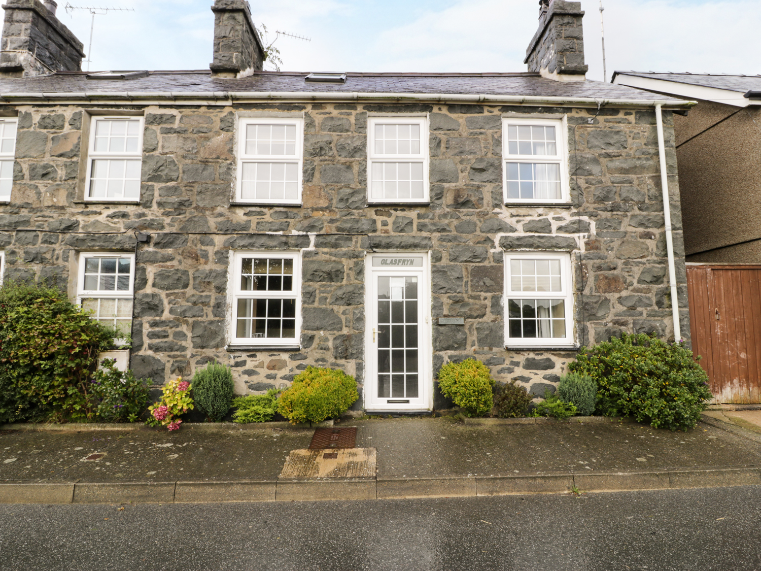 3 bedroom Cottage for rent in Pwllheli