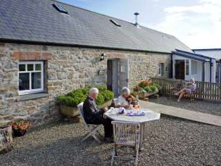 2 bedroom Cottage for rent in Newport