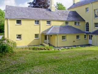 2 bedroom Cottage for rent in Carmarthen