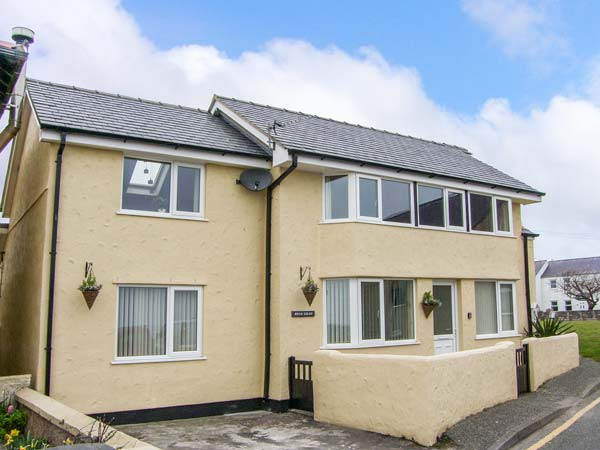 4 bedroom Cottage for rent in Moelfre