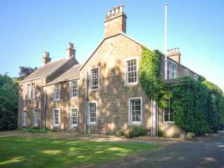 8 bedroom Cottage for rent in Blairgowrie