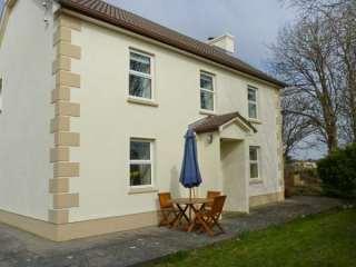 4 bedroom Cottage for rent in Spiddal