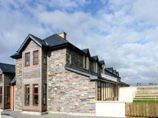4 bedroom Cottage for rent in Carrick on Bannow