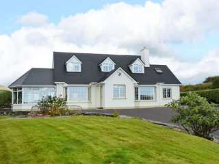 4 bedroom Cottage for rent in Castletownbere
