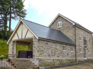 4 bedroom Cottage for rent in Llanwrtyd Wells