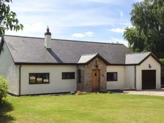 4 bedroom Cottage for rent in Denbigh