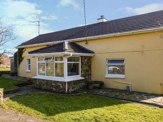 3 bedroom Cottage for rent in Courtmacsherry