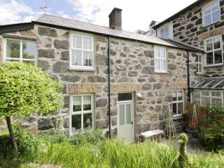 3 bedroom Cottage for rent in Criccieth