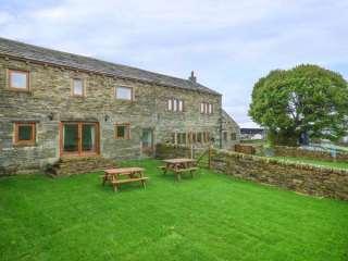 4 bedroom Cottage for rent in Huddersfield
