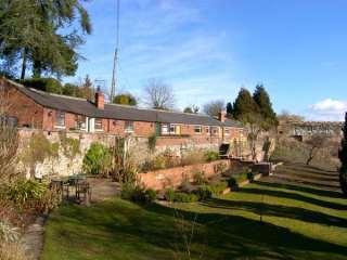 2 bedroom Cottage for rent in Wrexham