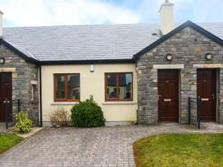 2 bedroom Cottage for rent in Knock