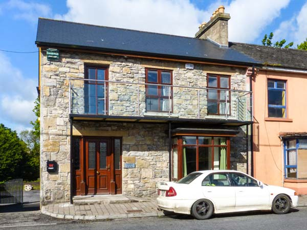 2 bedroom Cottage for rent in Boyle
