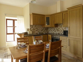 2 bedroom Cottage for rent in Boyle