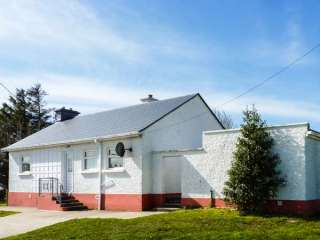 3 bedroom Cottage for rent in Carrick
