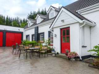 5 bedroom Cottage for rent in Corofin