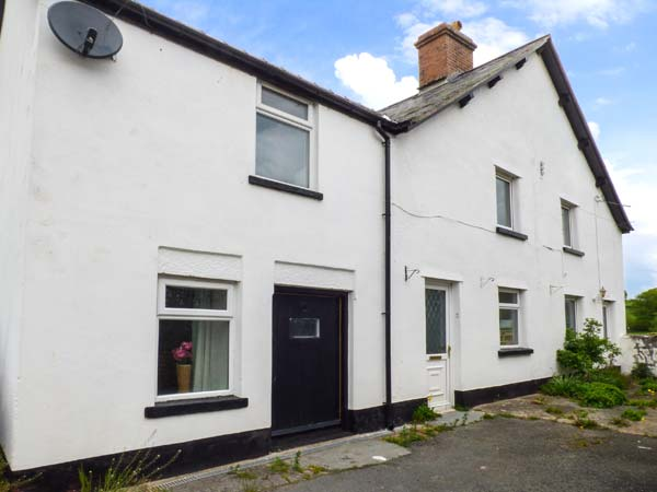 5 bedroom Cottage for rent in Bala