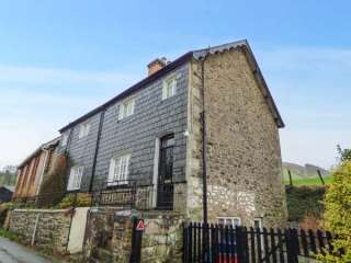 2 bedroom Cottage for rent in Caersws