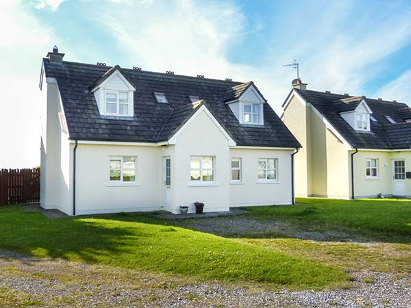 4 bedroom Cottage for rent in Youghal