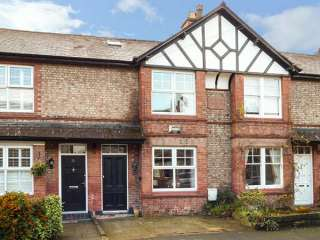 3 bedroom Cottage for rent in Altrincham