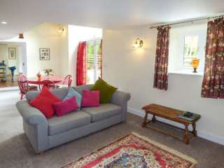 2 bedroom Cottage for rent in Dronfield
