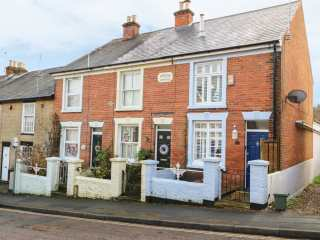 3 bedroom Cottage for rent in East Cowes