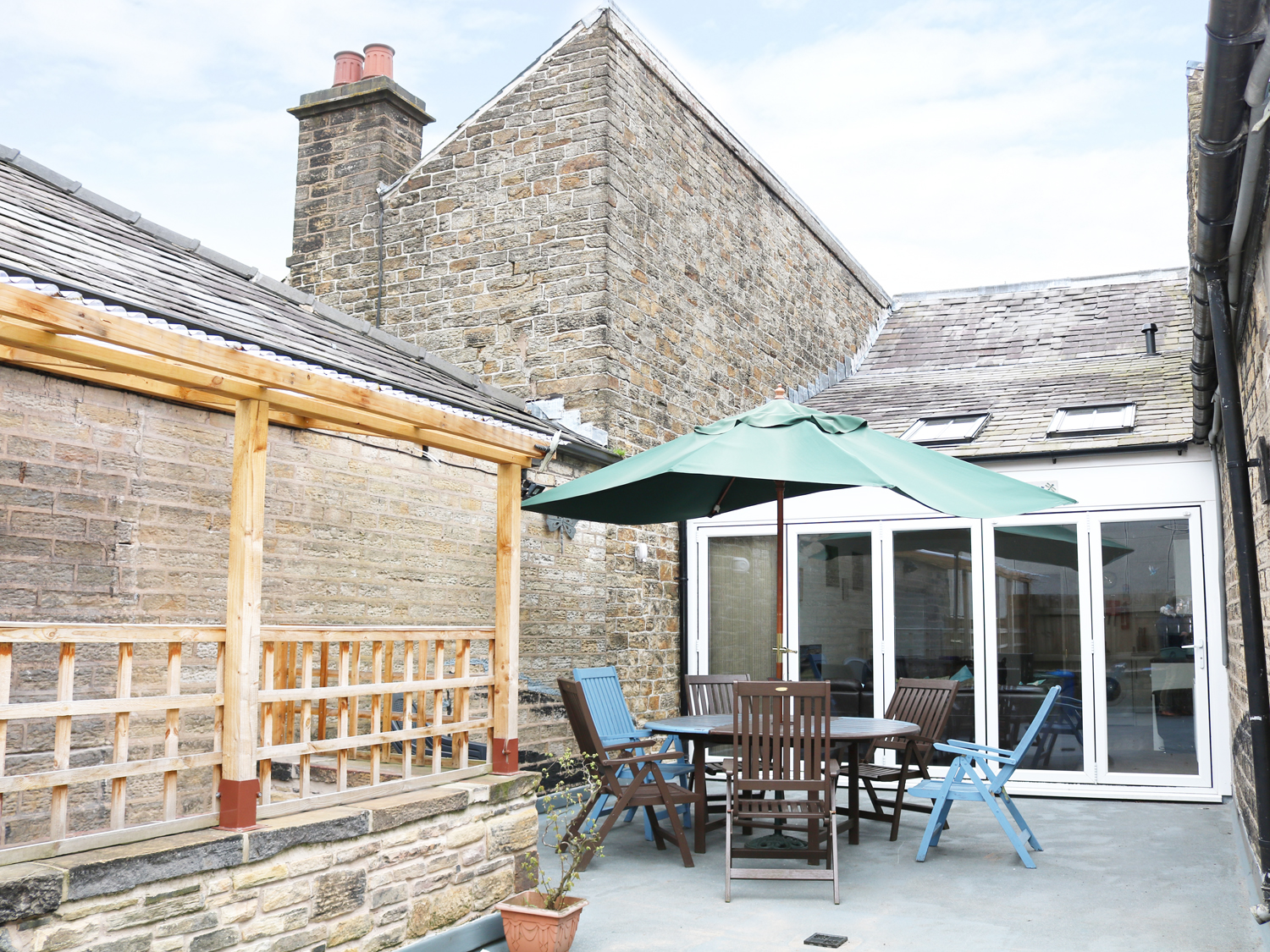 4 bedroom Cottage for rent in New Mills